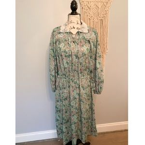 Green Floral Vintage Prairie Lace Maxi Dress